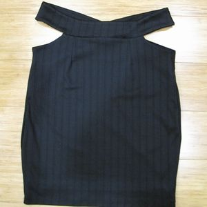 Women's Knee Length Cut out Skirt in Black Size L